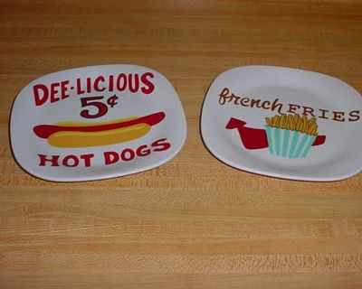 Barely Used Vintage Premium Quality DEE-LICIOUS 5 Cent Hot Dogs & French Fries Melamine Kids Plate Set With Raised Edges To Prevent...