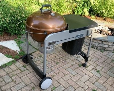 Weber 22 in. Performer Charcoal Grill Copper