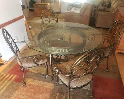 CAPE CORAL ONLINE AUCTION. FURNITURE, TOOLS, DECOR & MORE. EVERYTHING STARTS AT $1.00