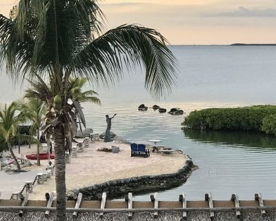 Mermaid Point / private bay front property - Key Largo