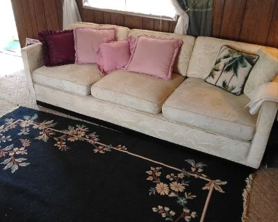 Large Couch, last day!
