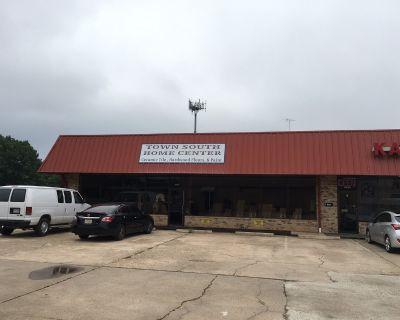 Showroom/Warehouse Youree Drive