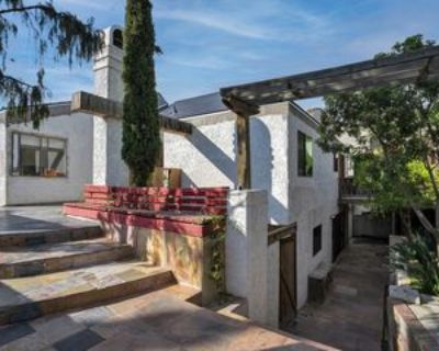 2650 Lisco Pl, Los Angeles, CA 90046 5 Bedroom Apartment