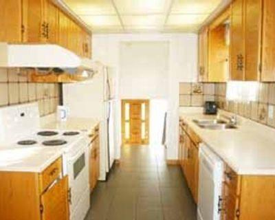 353 Apache Trail North York, ON M2H 2W6 3 Bedroom Apartment Rental