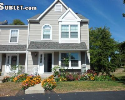 $800 2 townhouse in Montgomery County