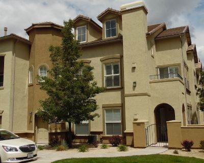 Upscale Townhome in gated community off Mt. Rose - Reno