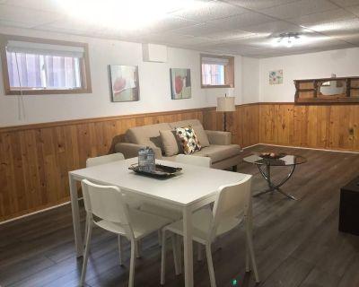 Private, spacious, and cozy basement apartment - Clarkson-Lorne Park