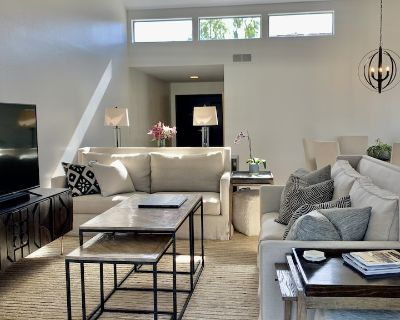RANCHO MIRAGE IMPECCABLY-DESIGNED TOWNHOME POOLSIDE/MOUNTAIN VIEWS/TENNIS/GOLF - Rancho Mirage