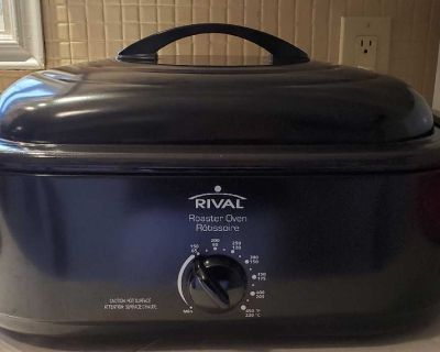 Rival roaster oven Brand New