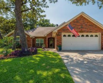 1004 Shady Hill Ln, Burleson, TX 76028 3 Bedroom Apartment