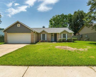 2519 Merrimac Drive, League City, TX 77573