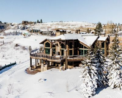 Exquisite, Luxury Chalet in Private Ski-In/Ski-Out Community with Game Room, Bar, Suana and Hot Tub - Midway