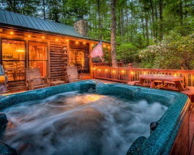Retreatwood Mac - Mountain View | Hot Tub | Gas Grill | Dog Friendly - Blue Ridge