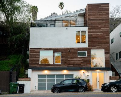 Modern Silver Lake Multi-Level House with lots of Natural Light Windows and rustic reclaimed Wood, Los Angeles, CA