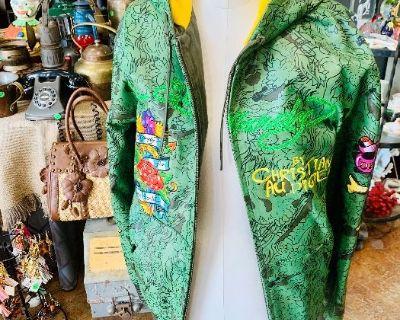 Final Victoria's Eclectic Antique and Vintage Sales