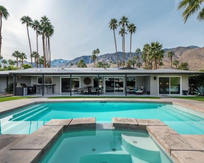 Covered Outdoor Kitchen, Pool, Spa, Golf Course & Mountain Views, Free WiFi - Indian Canyon