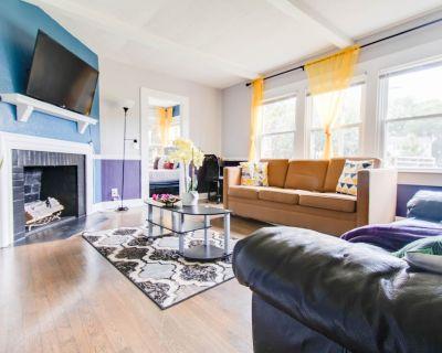 King & Full, 4K TV both rooms with Netflix Wifi, - Marietta