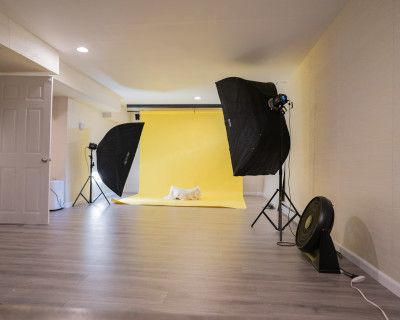 Fully Functioned Photo Studio with Lights, MALDEN, MA