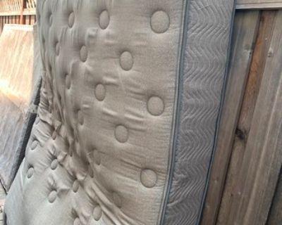 Queen mattress + Box Spring, Baby Crib & Crib Mattress (Free) - Free