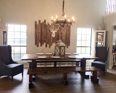 Kerrville River House Retreat! Right on the Guadalupe River! Steps to the water! - Kerrville