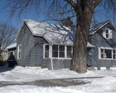 3 Bed 1 Bath Foreclosure Property in Oshkosh, WI 54902 - W 7th Ave