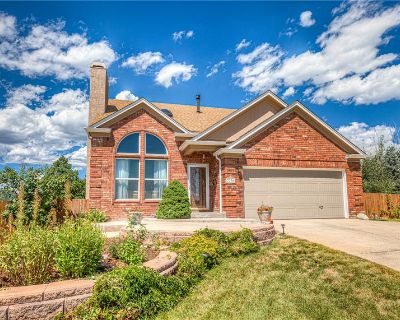 Updated 5 Bed Former Model Home (MLS# 8971951) By Bobbi Price