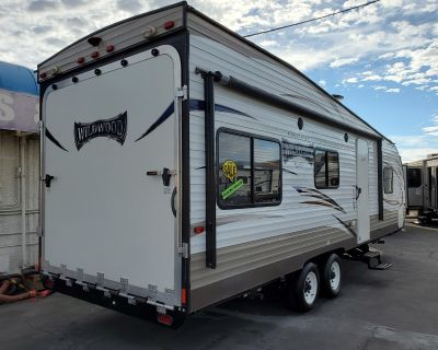 2018 Forest River Wildwood X-Lite T251SSXL Toy Hauler