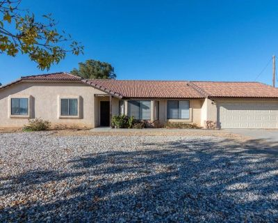Desert Knolls location. New kitchen with granite counter top, new appliances