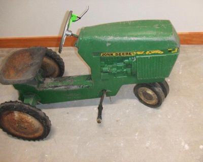 *** COLLECTIBLE PEDAL TRACTORS ***