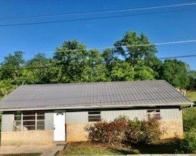 1017 Scarlet Rd #1, Newport, TN 37821 3 Bedroom Apartment