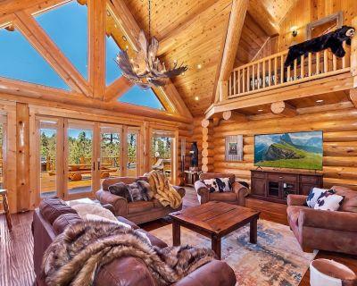 Angels Lodge: Luxury! Hot Tub! Game Room with Foosball & More! Pool Table! - Upper Moonridge
