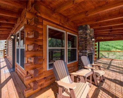 Woodland Escape, 3 Bedrooms, Hot Tub, Pool Access, WiFi, Sleeps 9 - Pigeon Forge