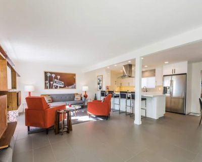 Remodeled Home with Pool/Spa & Mountain Views - Desert Park Estates