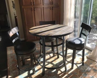 Amazing pub table and 3 chairs