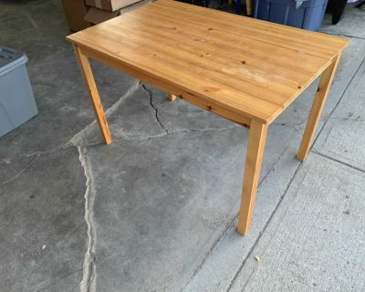 Small ikea table and 4 Chairs