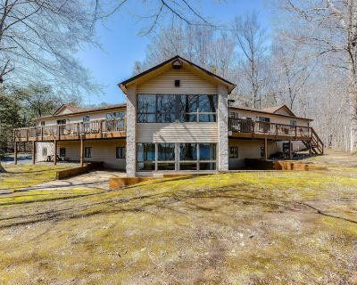 Secluded, Lakefront Dog-Friendly Home w/Free WiFi, Lake Views, Deck, and Grill - Bumpass