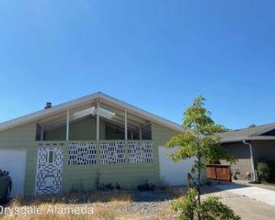 417 Kitty Hawk Rd, Alameda, CA 94501 3 Bedroom House
