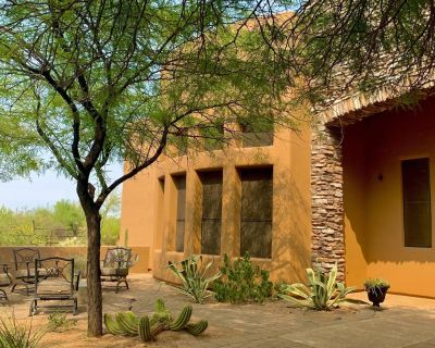 Casita with full kitchen, adventure on hoof, foot or bike @ only $99 - Sunrise Desert Vistas
