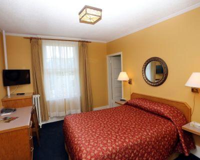 James Bay Inn Hotel & Suites - James Bay