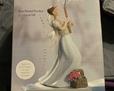 Cake topper. Fishing bride catches groom