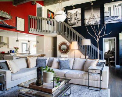 Suburban Luxury Convenient to Downtown Atlanta