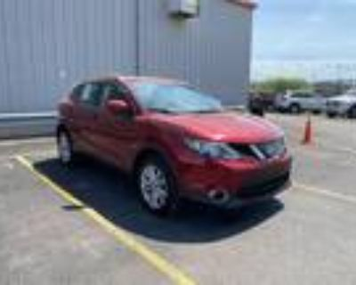 2019 Nissan Rogue Red, 10K miles