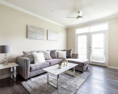 Inspiring Vibrant Modern Apartment in Buckhead Area, Atlanta, GA