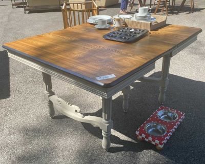 Great Oak refinished table w leaf - pick up