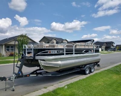 2019 Pontoon Suntracker 20' Fishing Barge