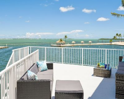 Postcard Point @ Venture OUT Brand New Waterfront Home + Last KEY Services - Cudjoe Key