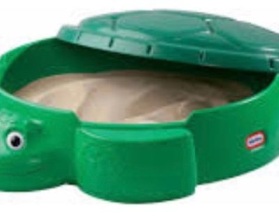 Plastic sand box with cover