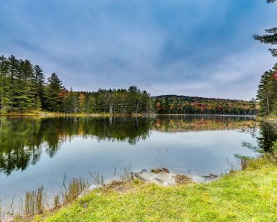 8 Bedroom Home - 500 Acres w/Private Lake near Great Skiing - for All-Season Fun - Londonderry