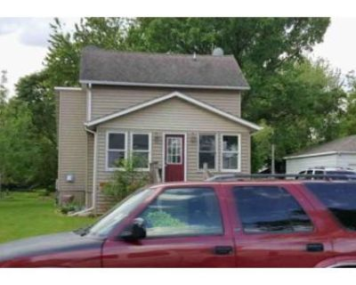 2 Bed 1 Bath Foreclosure Property in Blooming Prairie, MN 55917 - 2nd St NE