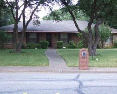 115 Mantlebrook Dr, DeSoto, TX 75115 3 Bedroom Apartment